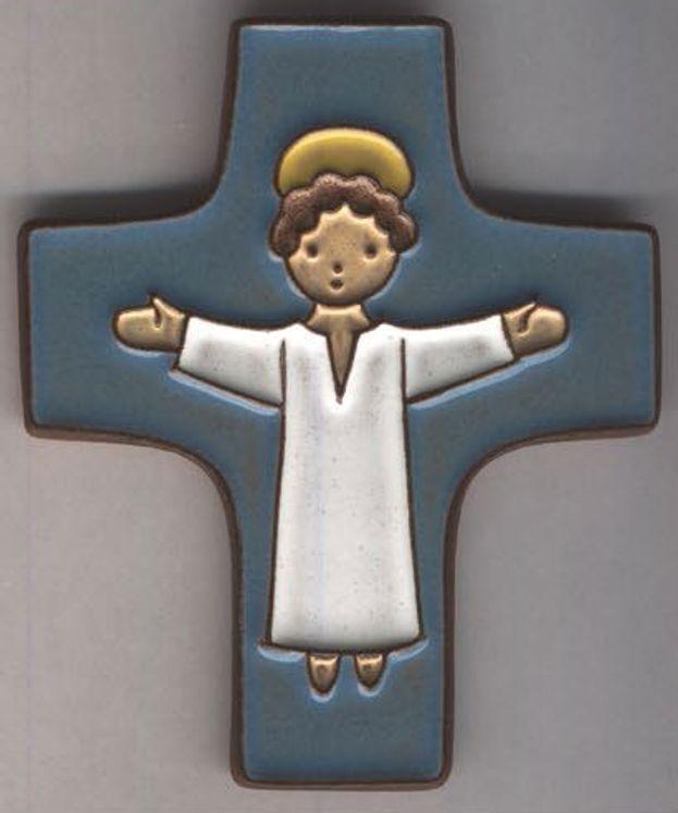 Croix céramique Jésus bras ouverts fond bleu foncé