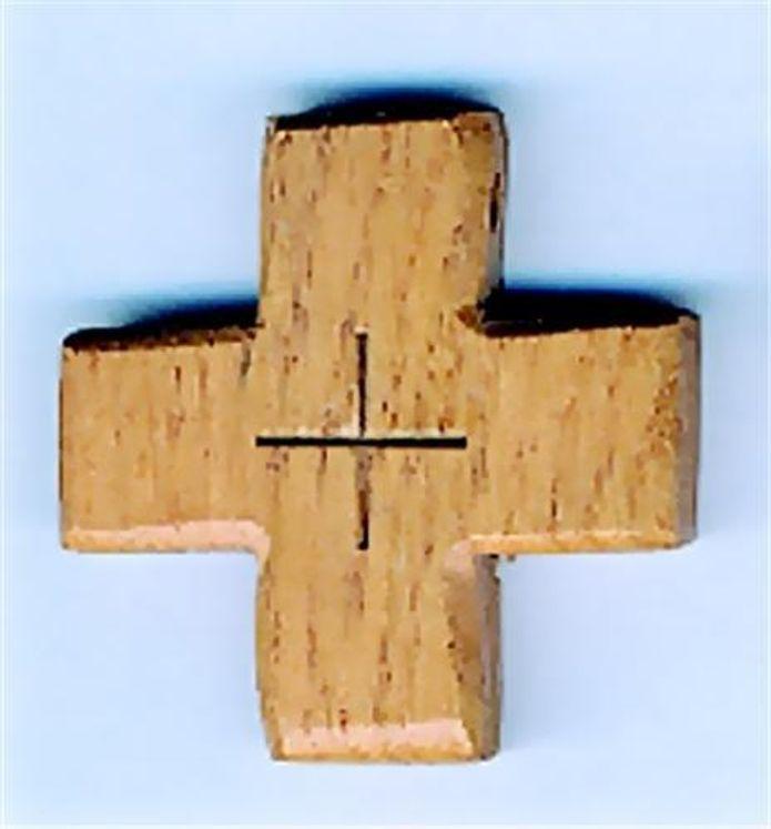 Croix d´aube en chêne (4 x 4 cm), sur ficelle